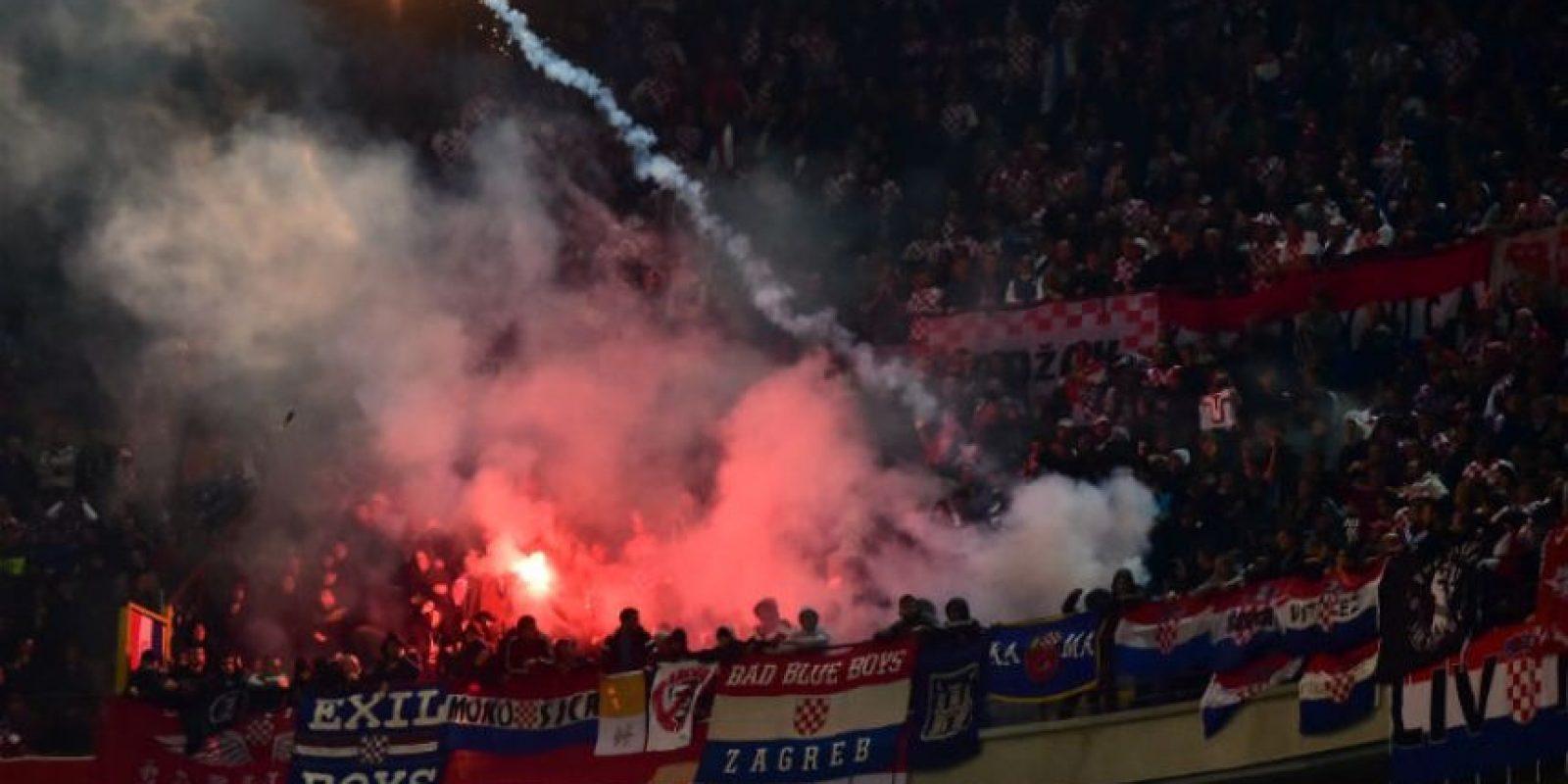 Seguidores croatas animaron a su selección durante todo el encuentro. Foto:AFP