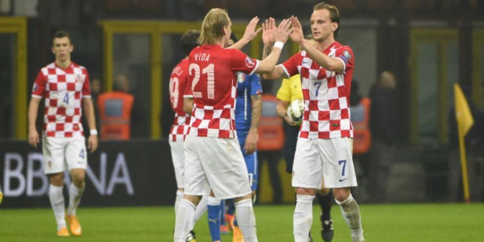 Domagoj Vida e Ivan Rakitić festejan el empate. Foto:AFP