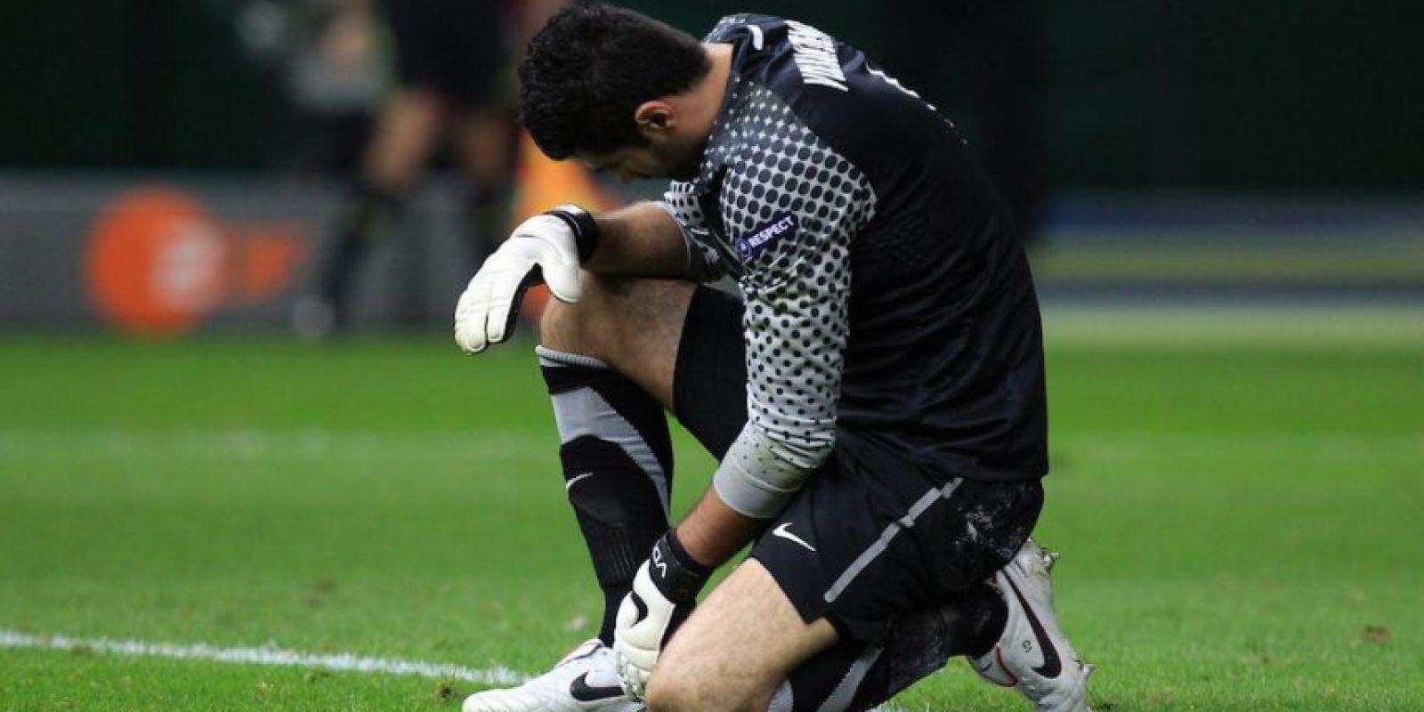 Demirel este fin de semana prefirió salir del estadio. Foto:Getty Images