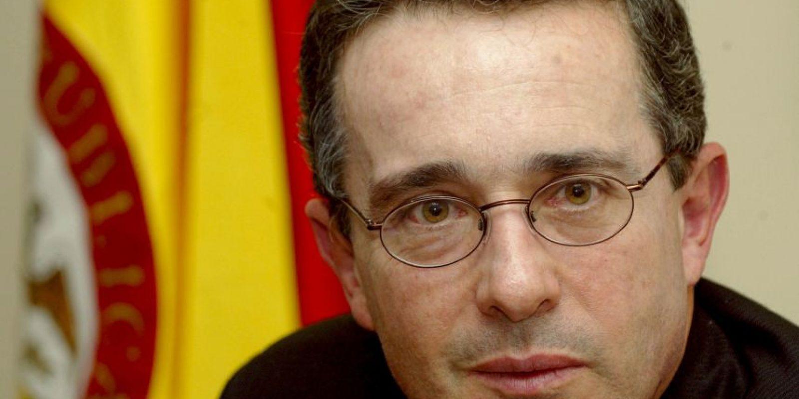 El ex presidente colombiano, Álvaro Uribe, terminó sus dos períodos sin poder doblegar al grupo armado. Foto:Getty Images