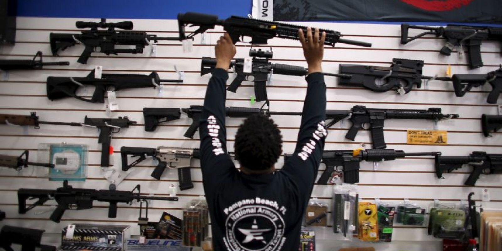 1. 310 millones de armas de fuego en manos de civiles, tanto ilícitas como legales. Foto:Getty Images