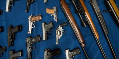 10. El 14 Noviembre 1997, como miembro de la Organización de los Estados Americanos (OEA), los Estados Unidos adoptaron la Convención Interamericana contra la Fabricación y el Tráfico Ilícito de Armas de Fuego, Municiones, Explosivos y Otros Materiales Relacionados (CIFTA) Foto:Getty Images