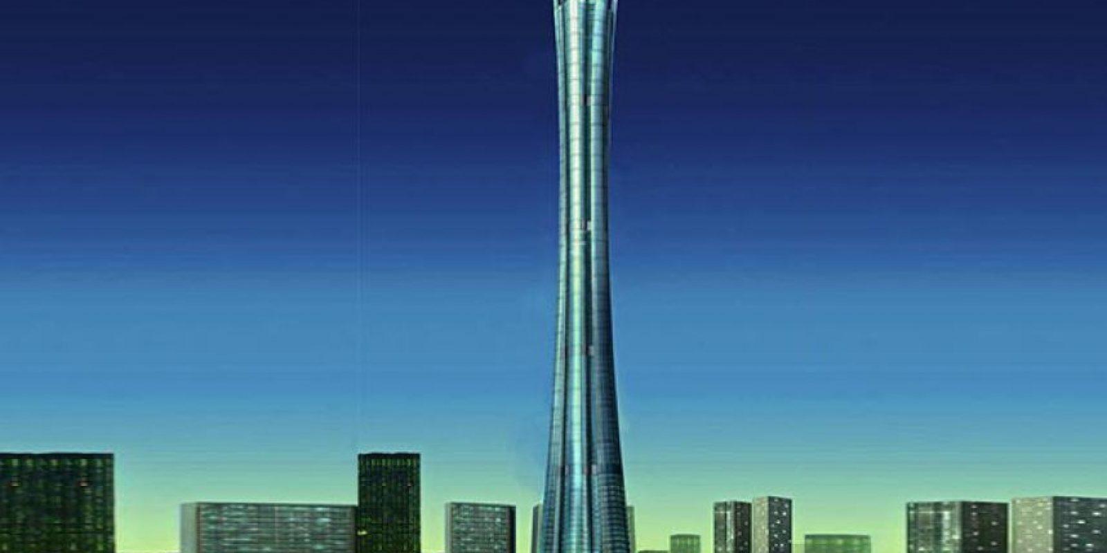 Era tan alto, que autoridades de aviación se preocuparon porque podía interrumpir el trayecto de los aviones. Foto:Skyscraper City