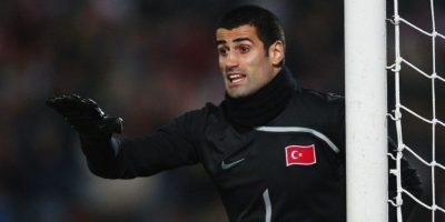 Volkan debutó en el fútbol de su país con el Kartalspor en 2000. Foto:Getty Images
