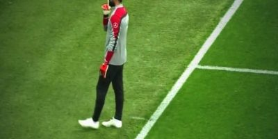 Hinchas del Galatasaray le gritaban a Demirel. Foto:Twitter