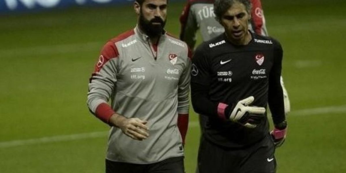 Futbolista abandonó encuentro de su Selección por insultos racistas