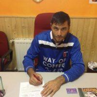 Apenas este mes firmó con el Rocca Priora de la 7ma. división de su país. Foto:Twitter