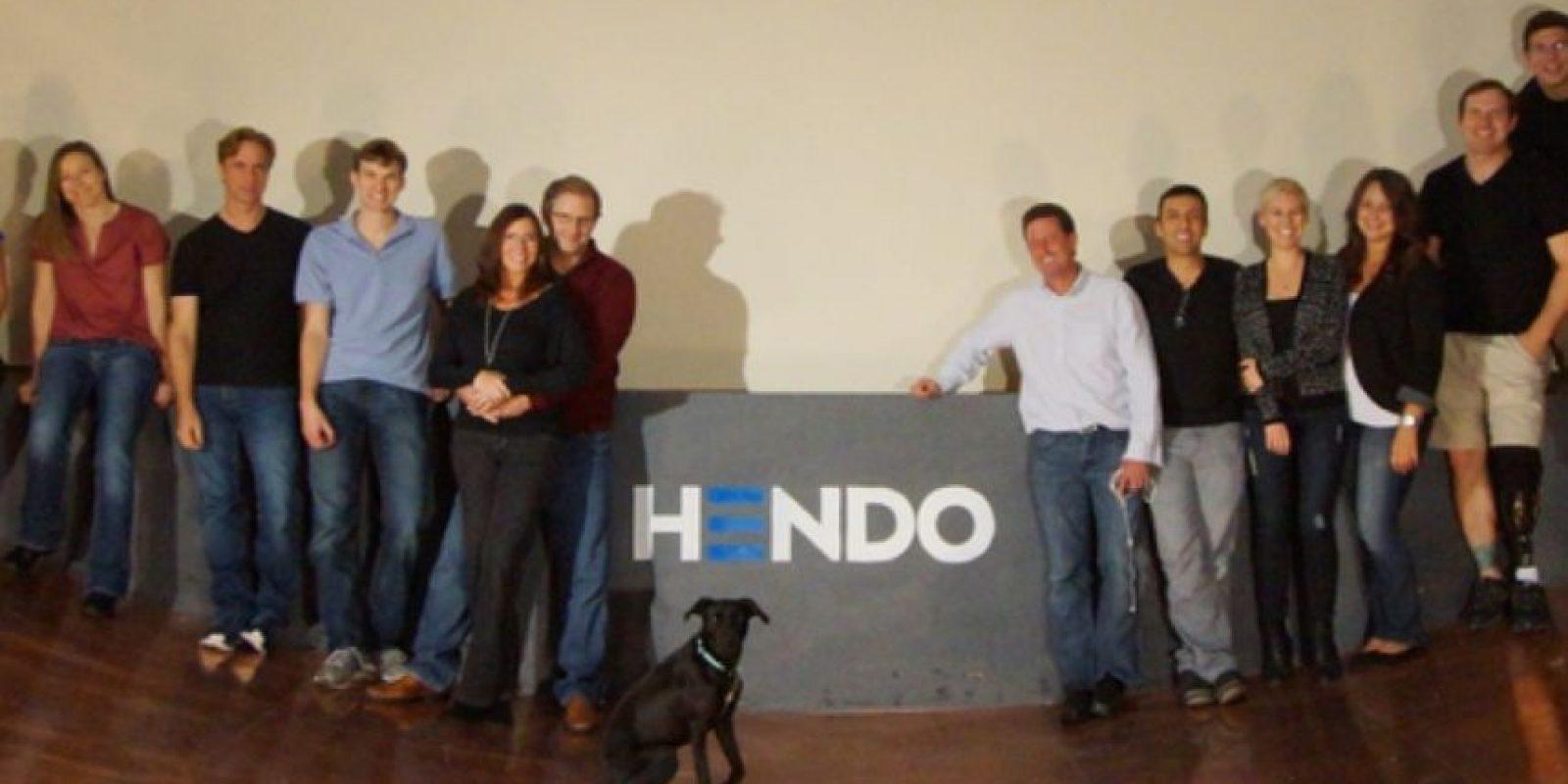 El equipo de desarrollo de la Hoverboard. Foto:Hendo Hover