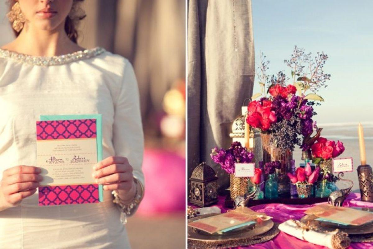 En la invitación de boda sólo vienen escritos los nombres del novio y del padre de la novia. Foto:Pinterest