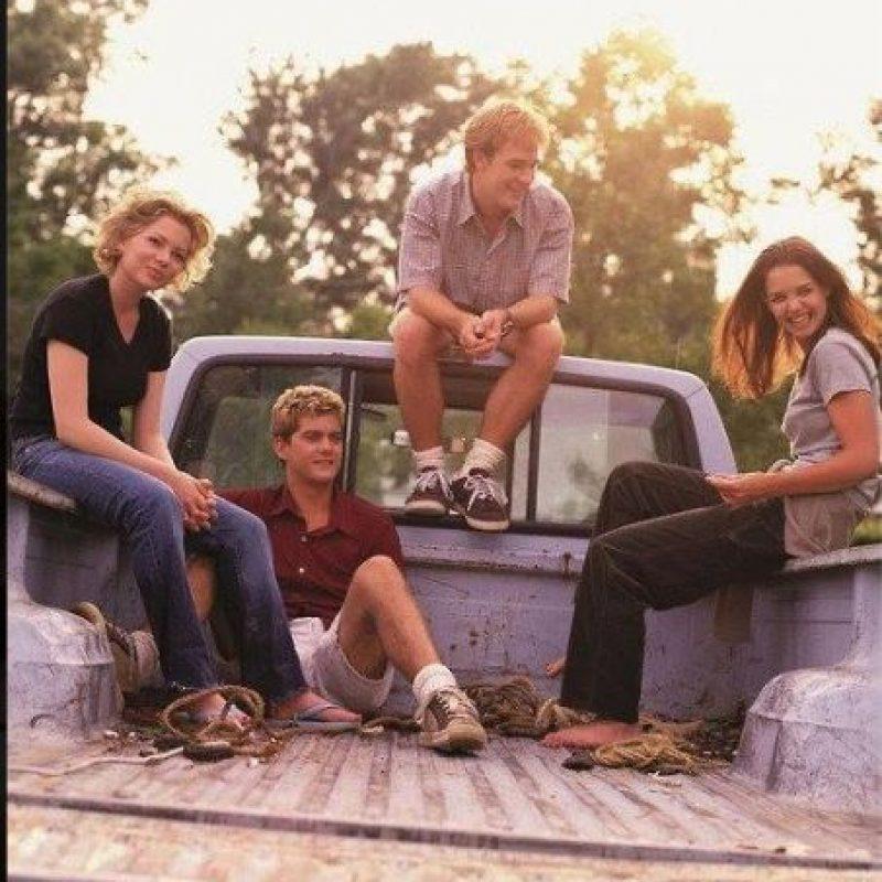Que viven en un pequeño pueblo ficticio llamado Capeside Foto:Facebook Dawson's Creek