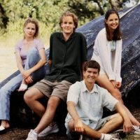 La serie trata sobre la vida de cuatro chicos adolescentes Foto:Facebook Dawson's Creek