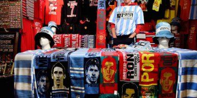 Los souvenirs en Manchester, Inglaterra. Foto:AFP