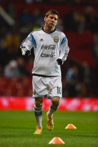 Messi trotando en el Old Trafford de Manchester. Foto:Getty Images