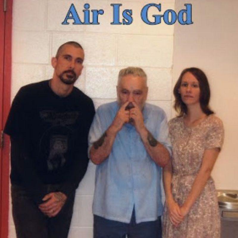 """Antes las declaraciones de Burton, Manson mencionó: """"Eso es solo un montón de basura. Estamos jugando con esta basura para que la gente la consuma"""". Foto:MansonDirect.com"""