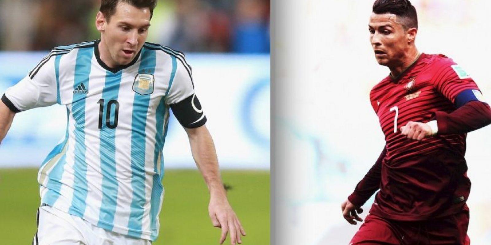 """Leo Messi y Cristiano Ronaldo se enfrentan en el """"Teatro de los sueños"""". Foto:Getty Images"""
