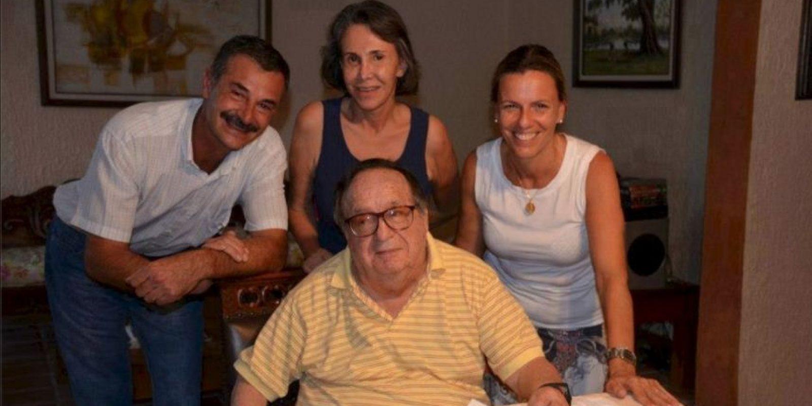 Con amigos en Cancún Foto:Roberto Gómez Bolaños/Facebook