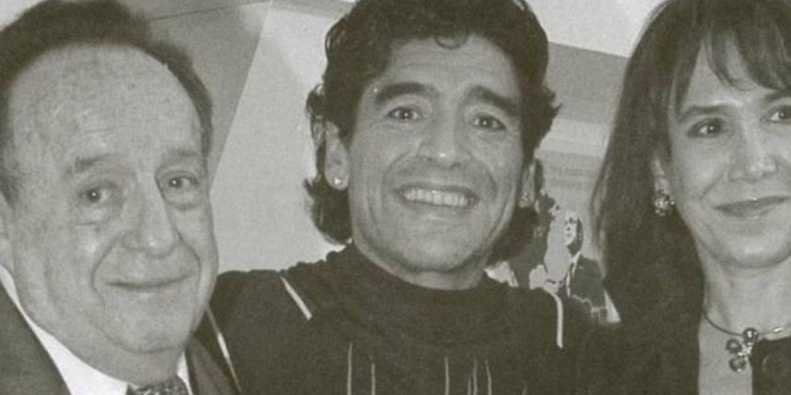Con Maradona. Foto:Roberto Gómez Bolaños/Facebook