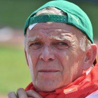 El alemán Volker Fink, entrenador de Camerún. Foto:AFP