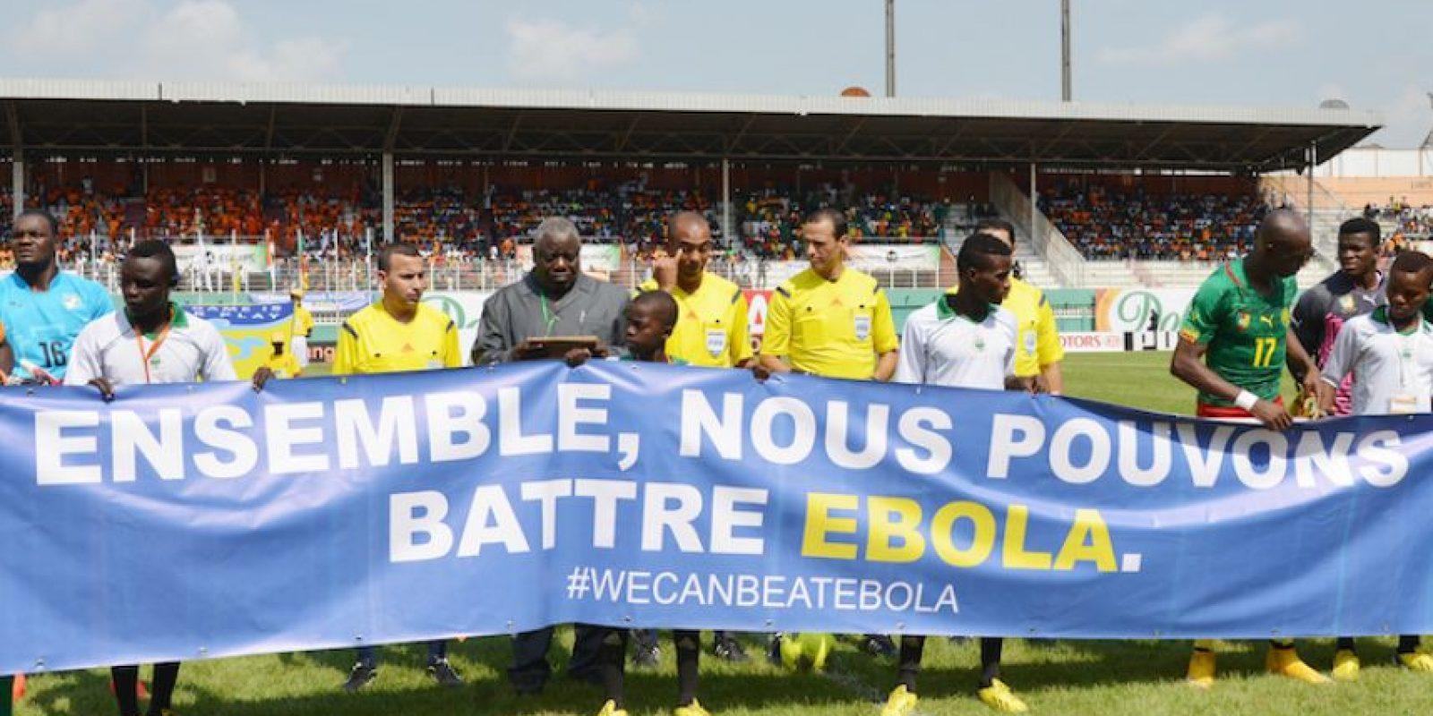 El encuentro comenzó con un mensaje en favor de la lucha contra el Ébola. Foto:AFP
