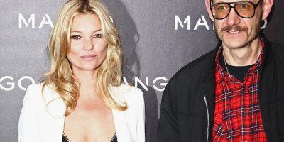 Con la modelo británica Kate Moss Foto:Getty Images