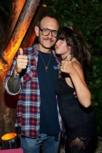 De fiesta con la actriz Paz de la Vega Foto:Getty Images
