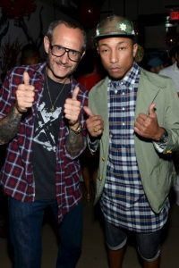 Junto a Pharrell Williams Foto: Getty Images