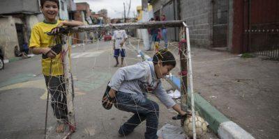 Infantes en las calles de Brasil. Foto:Getty Images