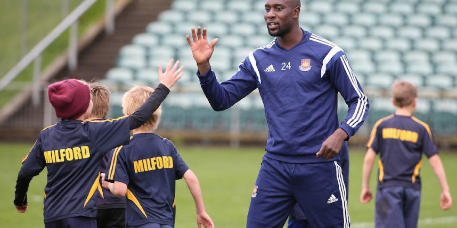 Los pequeños en un entrenamiento del West Ham United de Inglaterra. Foto:Getty Images