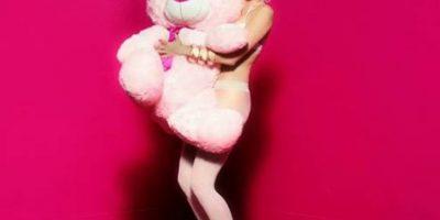 En topless: Miley Cyrus y Terry Richardson se unen en polémico anuncio