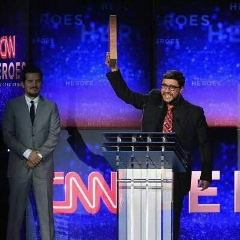Al momento de recibir el reconocimiento por su nominación Foto:CNN