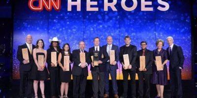 Juan Pablo Romero y el grupo de nominados al premio Foto:CNN