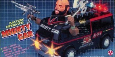 """¿Para qué el resto de """"Los Cuatro Fantásticos"""" si con este el auto ya está bien? Foto:Tumblr/Bootleg Toys"""