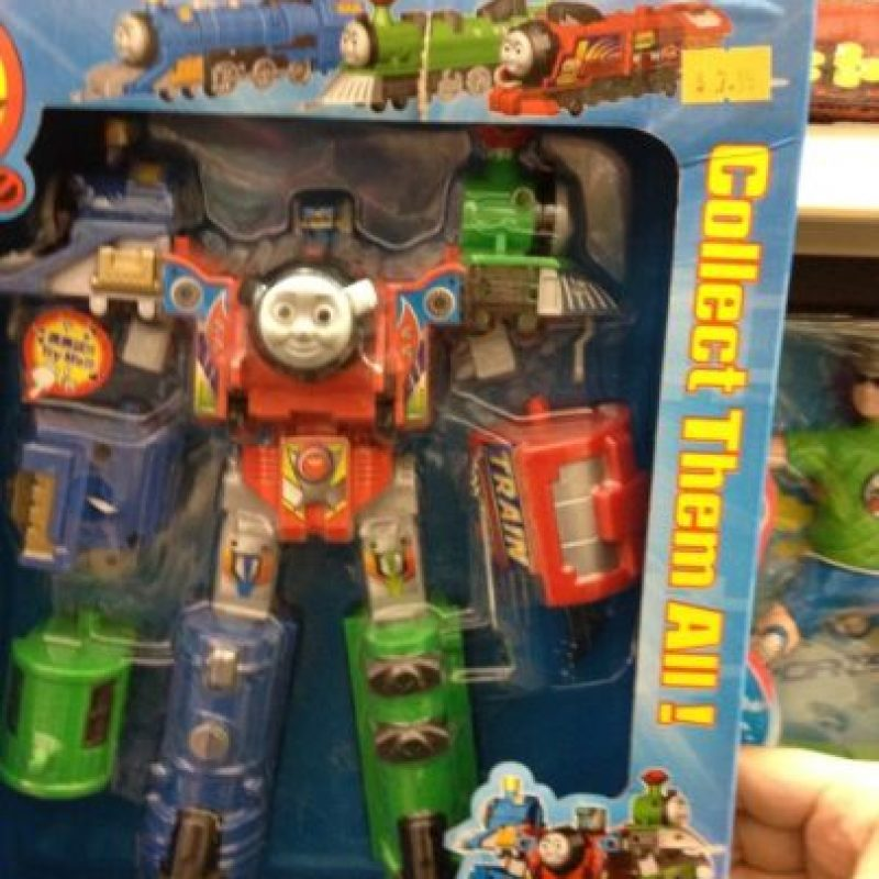 El tierno trencito era ESTO. Foto:Tumblr/Bootleg Toys