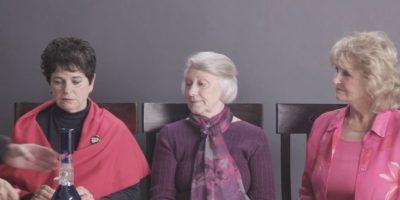 Pusieron a 3 ancianas a probar la marihuana por primera vez. Foto:Cut/Youtube