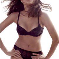 La actriz lució hermosa Foto:Calvin Klein