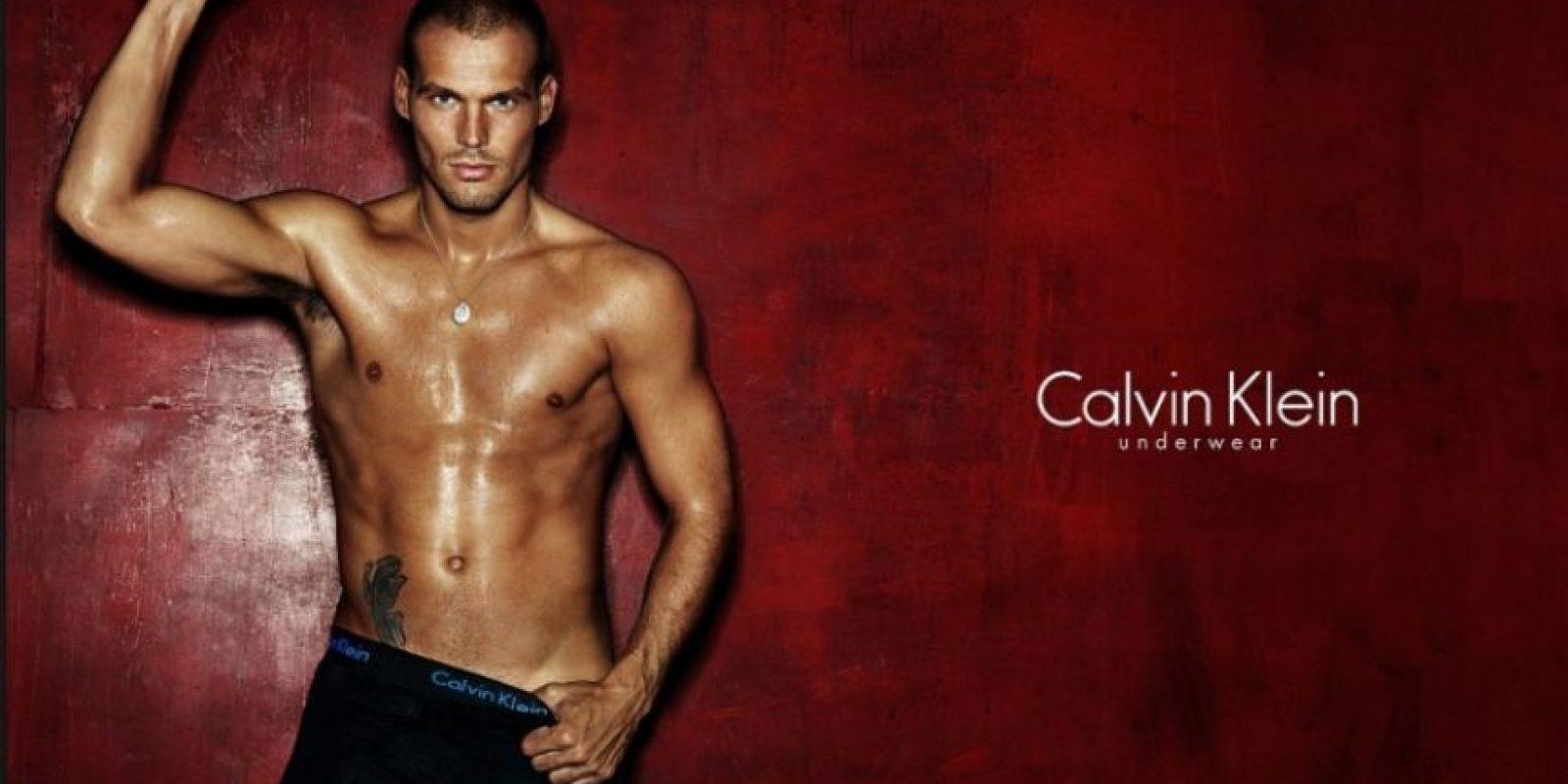 Es un ex futbolista sueco, participó en los Mundiales de 2002 y 2006, Foto:Calvin Klein