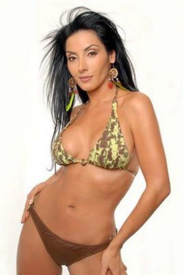 Angela colombiana en england intercambio su skype - 2 1