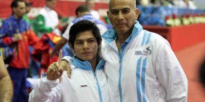 Jorge Vega celebra el oro en la gimnasia de Veracruz 2014