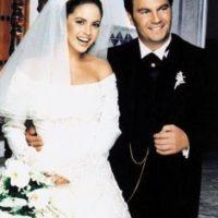 En 1997, la pareja se convirtió en uno de los matrimonios más populares de México, incluso su boda fue televisada como un gran show. Foto:Twitter