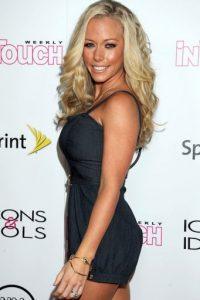 """A la edad de 18 años se convirtió en una de las parejas de Hugh Hefner, editor y fundador de la revista """"Playboy"""". Foto:Getty Images"""