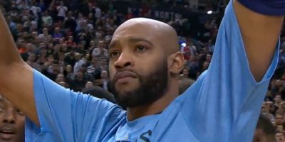 VIDEO: El emotivo homenaje que hizo llorar a Vince Carter en la NBA