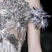 Covergirl y Net-A- Porter sacaron colecciones de la saga. Foto:Capitol Couture