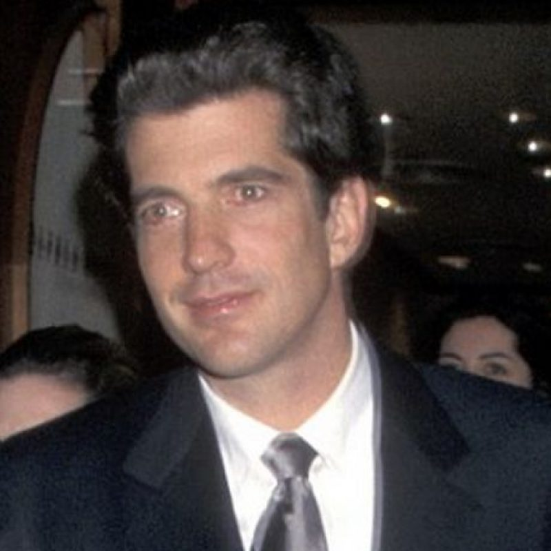 John F. Kennedy Jr. (1999) Foto: Wikipedia