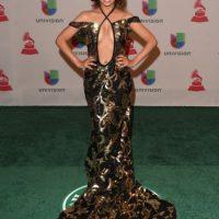 La cantante mostró hasta el ombligo Foto:Getty Images