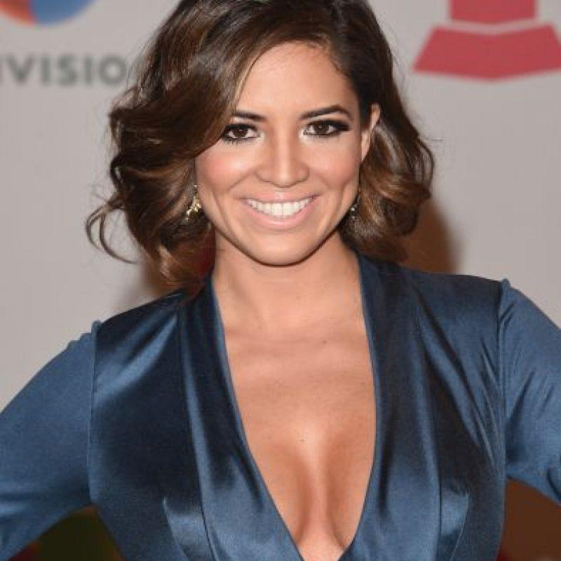La conductora de Univisión mostró sus curvas con este vestido azul. Foto:Getty Images