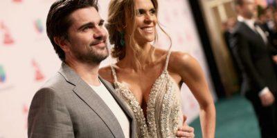 La esposa de Juanes lució su figura con este vestido lleno de pedrería Foto:Getty Images