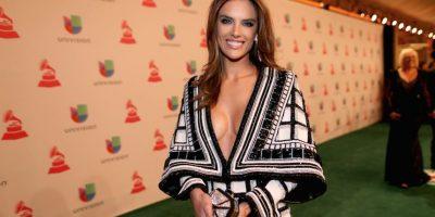 La brasileña se presentó a esta gala con este provocativo vestido Foto:Getty Images