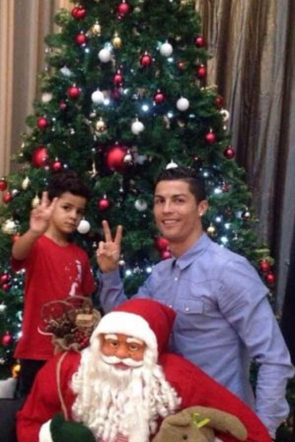Cristiano Ronaldo y su hijo ya tienen el espíritu navideño. Foto:instagram.com/cristiano