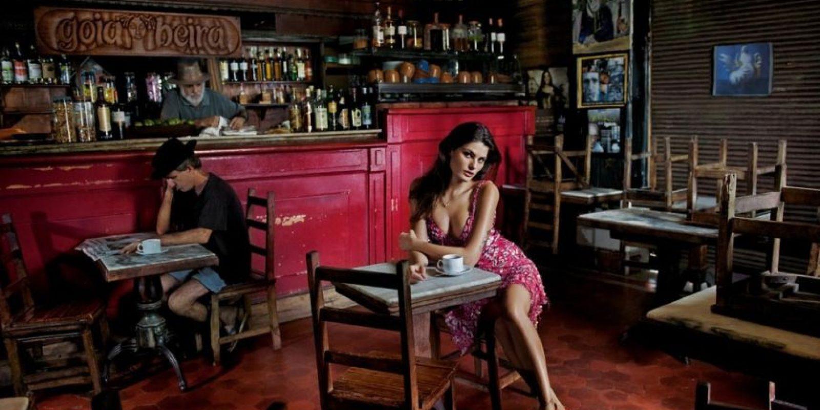Isabeli Fontana fotografiada por Steve McCurry en 2013. Foto:Pirelli