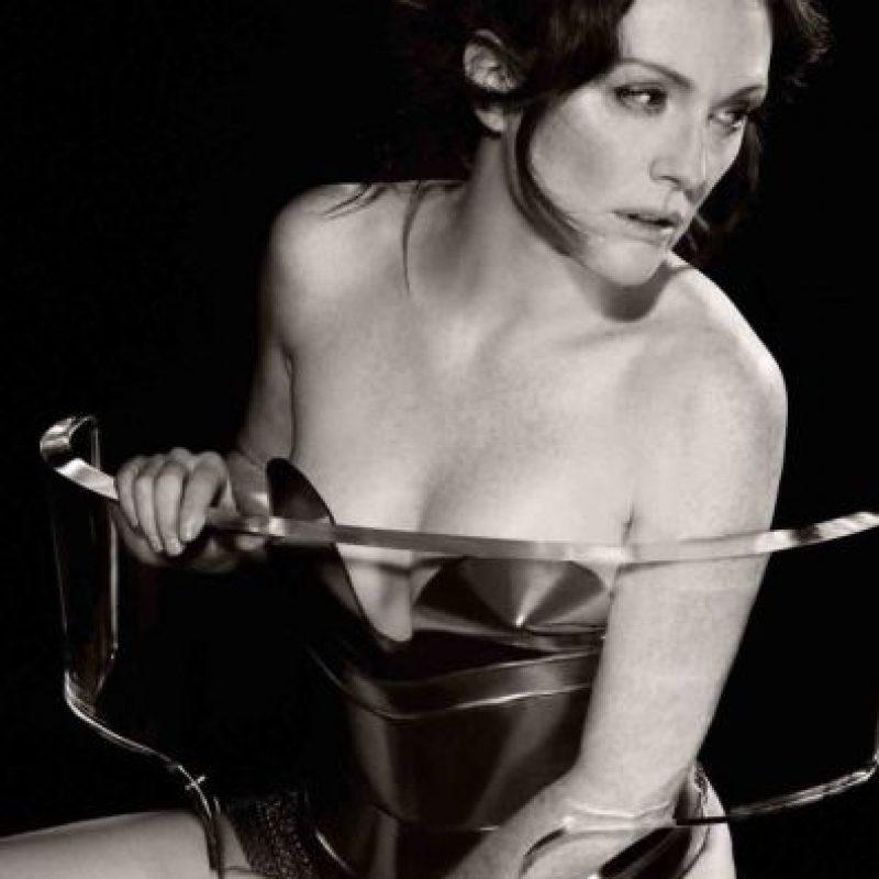 Julianne Moore fotografiada por Karl Lagerfeld en 2011. Foto:Pirelli